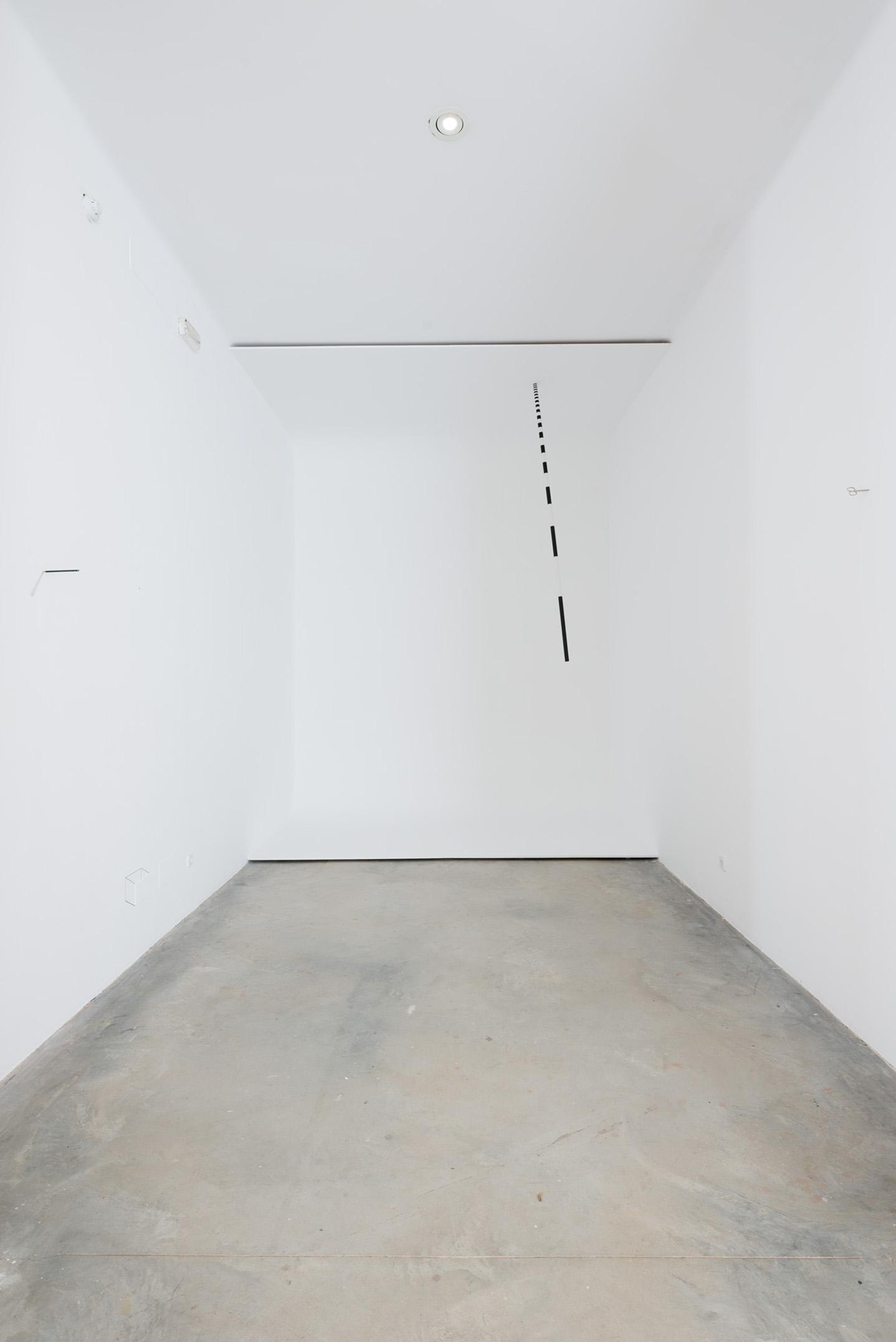 white room + Eddy, 2019